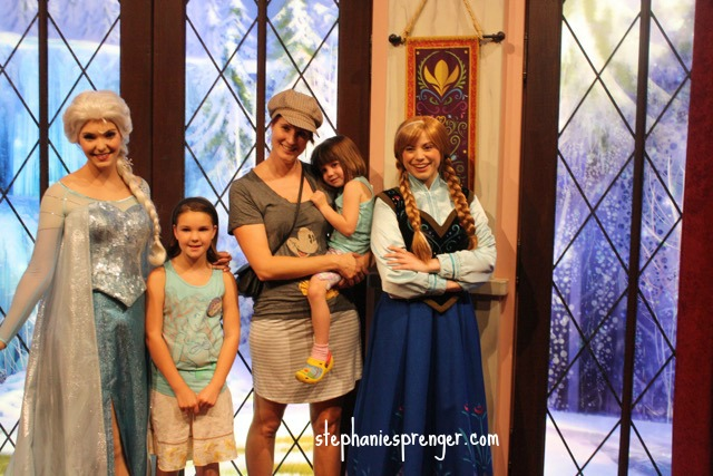 Anna and Elsa at Disneyland how-to-have-a-great-time-at-disneyland-with-kids-without-stress