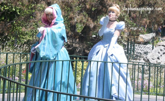 Cinderella at Disneyland how-to-have-a-great-time-at-disneyland-with-kids-without-stress