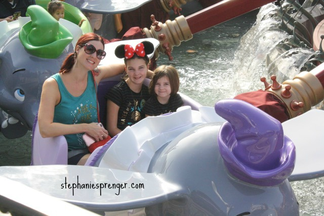 Dumbo at Disneyland with kids how-to-have-a-great-time-at-disneyland-with-kids-without-stress