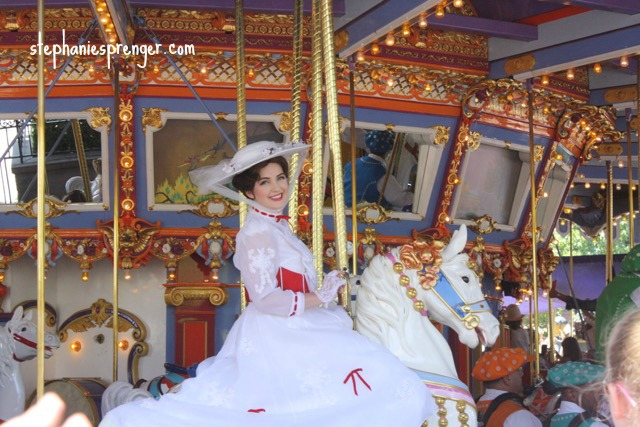 Mary Poppins at Disneyland with kids how-to-have-a-great-time-at-disneyland-with-kids-without-stress