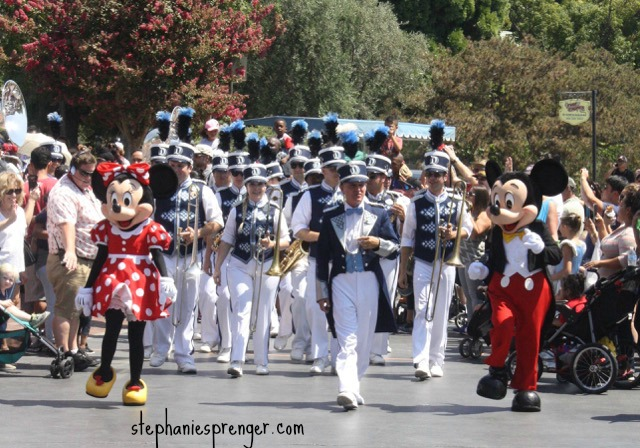 Mickey and Minnie at Disneyland how-to-have-a-great-time-at-disneyland-with-kids-without-stress